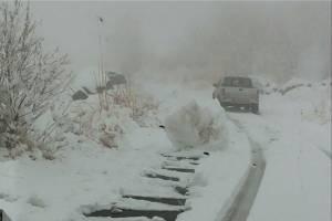 ترافیک نیمه سنگین و بارش برف در اکثر جادههای کشور