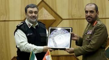 مقابله هوشمندانه پلیس ایران و عمان با قاچاق موادمخدر از مرزهای آبی