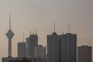 بناهای بلندی که گلوی تهران را میفشارند