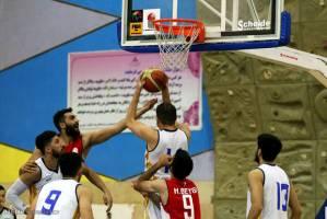 تیم بسکتبال نفت آبادان مقابل شهرداری اراک از شکست گریخت