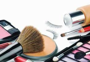 چگونه کیف لوازم آرایشمان را هنگام تعطیلات ببندیم؟