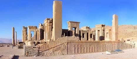 ۳۰ فروردین؛ روز جهانی بناها و محوطههای تاريخی