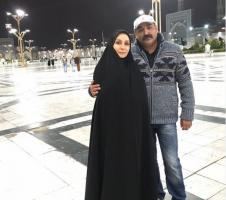 زوج هنري مشهور در حرم امام رضا(ع) / عكس