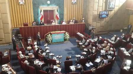 دولت و منتخبان مجلس در راستای خدمت رسانی به مردم عمل کنند