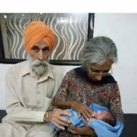 زن مسن نخستین فرزند خود را به دنیا آورد