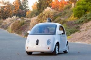 استخدام راننده توسط شرکت گوگل برای آزمایش اتومبیل های خودران