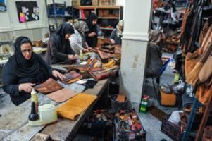 بیش از 2.5 میلیون زن سرپرست خانوار در کشور وجود دارد