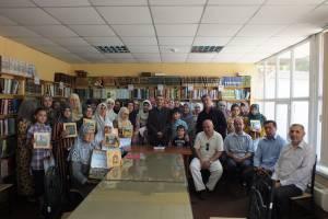 مردمان تاجیک با میراث حافظ زندگی می کنند