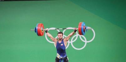 کیانوش رستمی با شکستن رکورد المپیک و جهان، نخستین طلای ریو را گرفت
