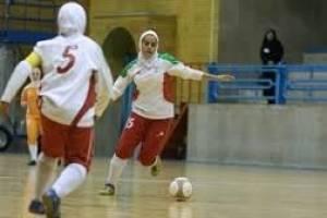 دانشگاه آزاد همچنان در لیگ فوتسال زنان میتازد