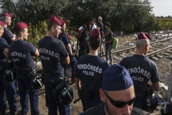آغاز به کار «نیروهای ویژه اروپا» برای مقابله با مهاجرن