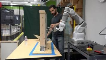 رباتها تجربههایشان را به اشتراک میگذارند