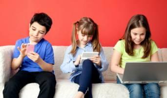 آسیب آلودگی فضای مجازی در کمین کودکان