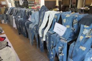 ۱۵ واحد صنفی عرضه کننده پوشاک غیرمتعارف در قزوین پلمب شد