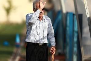 خداحافظ مرد با ادب فوتبال + تصاویر