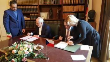 امضای یادداشت تفاهم برگزاری رایزنیهای سیاسی دورهای میان ایران و چک