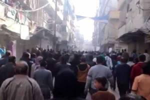 تروریستها ساکنان شرق حلب را به گلوله بستند