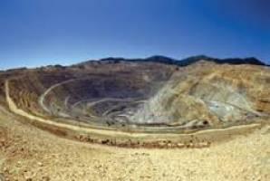 گلایه صنعتگران از پایین بودن کیفیت خاک معادن و گرانی آن