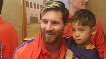 مسی آرزوی کودک افغان را برآورده کرد