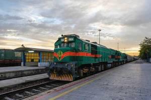 نبود تسهیلات بانکی، دلیل فرسوده بودن ناوگان حمل و نقل ایران است