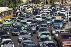 با سیاسی کردن ترافیک، به جامعه خیانت نکنیم