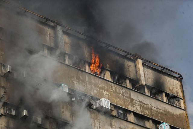 فیلم/ لحظه فرو ریختن ساختمان پلاسکو