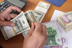 افزایش نرخ دلار و افت پوند و یورو بانکی