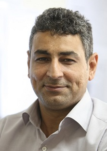 مچاندازيهاي وزير صنعت در عرصه عمومي