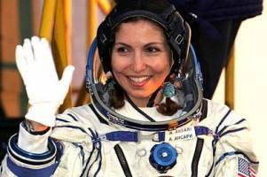 رجز خوانی نخستین زن فضانورد ایرانی برای ترامپ /عکس