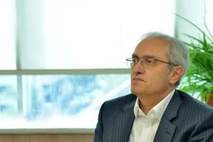 نایب رئیس کمیسیون اقتصاد سلامت اتاق تهران نسبت به بروز بحران در صنعت دارو هشدار داد