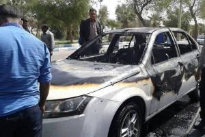 آتش زدن دنا جلوی نمایندگی ایران خودرو!