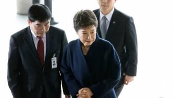 رئیسجمهور برکنار شده کرهجنوبی داوطلبانه در دفتر دادستانی حاضر شد