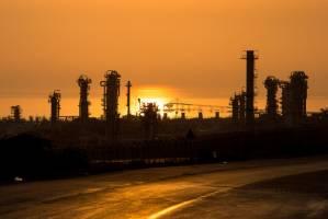 مجموع تولید محصولات پتروشیمی ایران امسال به مرز 59 میلیون تن میرسد