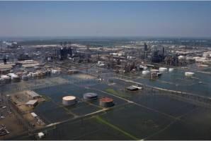 تعطیلی تولید ۵۸ درصد از نفت خلیج مکزیک در پی طوفان