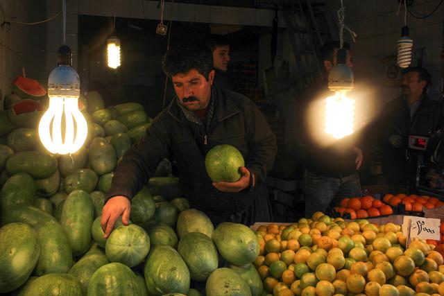 فراوانی میوه در آستانه شب یلدا