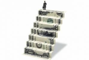 واکنش سهگانه به دلار گران