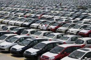 اعتراض خودروسازان به اعلام اسامی خودروهای غیراستاندارد
