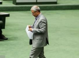 مجلس از پاسخ ربیعی درباره بیمه کشاورزان قانع شد