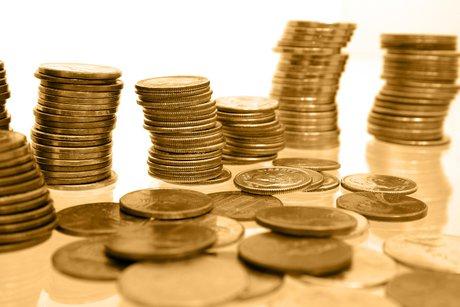 حراج سکه پا به پای گرانی دلار و طلا