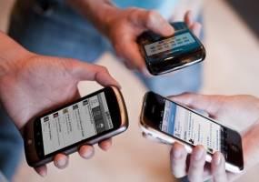 آغاز قطع ۵۰۰۰ گوشی تلفن اپل