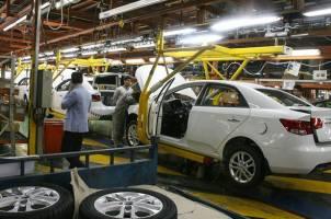 تصمیم وزارت صنعت برای داخلیسازی ۳۰ درصدی خودروهای وارداتی