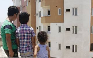در هر خانه چند نفر زندگی میکنند؟