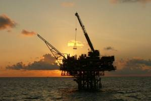 قیمت هر بشکه نفت سبک ایران در مرز ۷۰ دلار