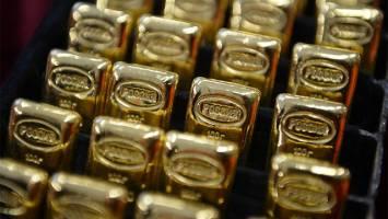 بازگشت طلا به بالای مرز ۱۳۰۰ دلار