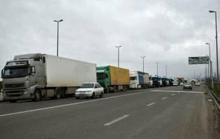 محدودیت صدور مجوز تردد کامیون میان ایران و ازبکستان برداشته شد