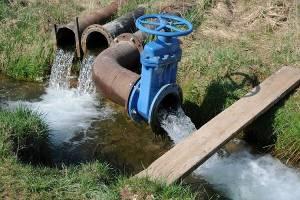 آب حجمی تحویلی به کشاورزان باید مدیریت شود