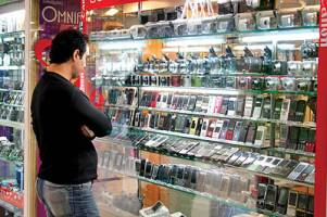 گرانفروشی و کمفروشی همچنان در بازار موبایل