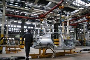 وزارت صنعت موافق آزادسازی قیمت خودرو