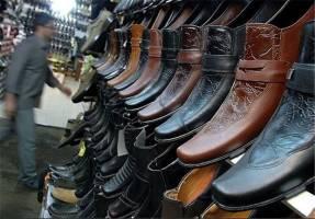 تولیدکنندگان کفش در انتظار ترخیص مواد اولیه از گمرک