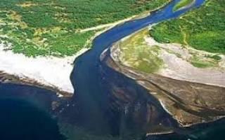 خط دوم انتقال آب از خلیج فارس به فلات مرکزی از نیمه دوم سال جاری کلید میخورد